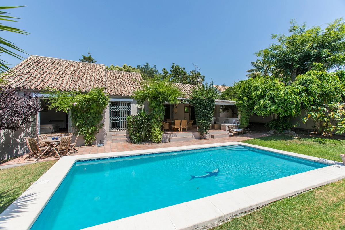 House in El Paraiso R3201649 6