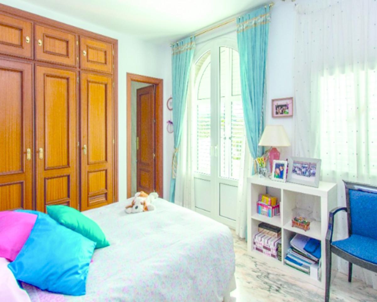 Detached Villa in Torreblanca R3629522