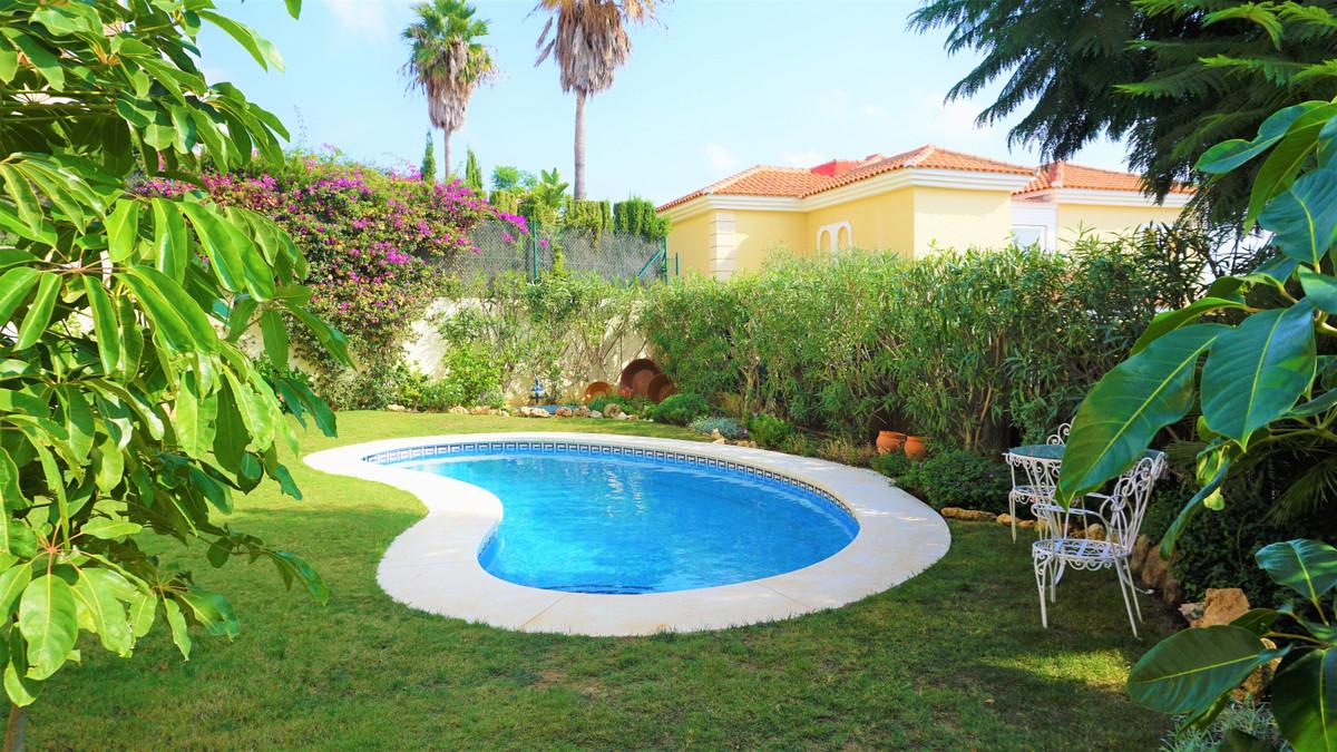 Villa  Pareada en venta   en La Cala de Mijas