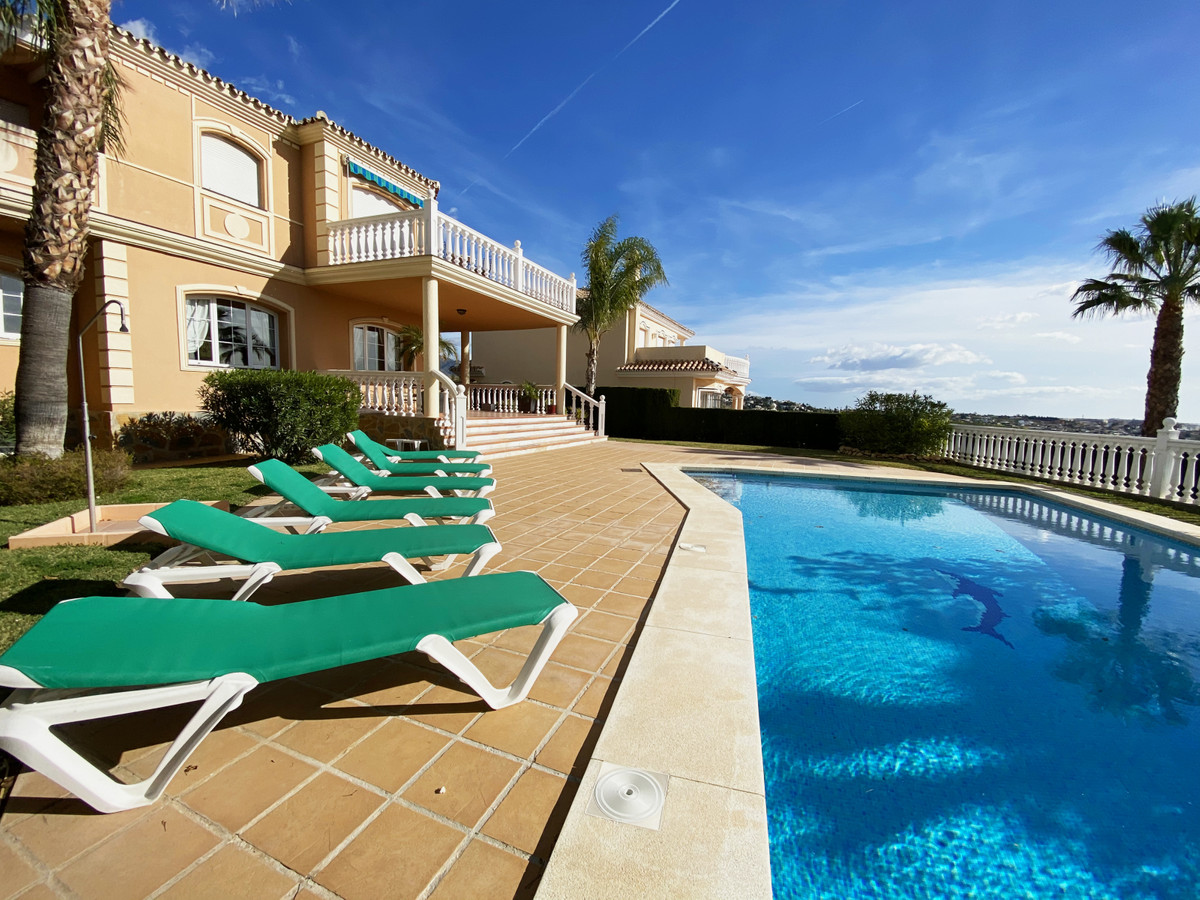 Large, airy, and spacious luxury Villa with all modern facilities to make it your home away from hom,Spain