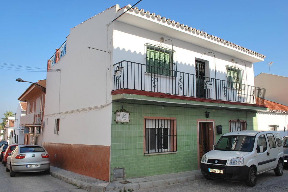 Unifamiliar 5 Dormitorios en Venta Alhaurín de la Torre