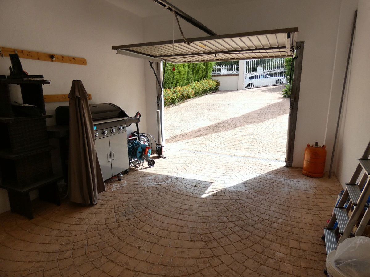 House in Alhaurin Golf R3681662 20