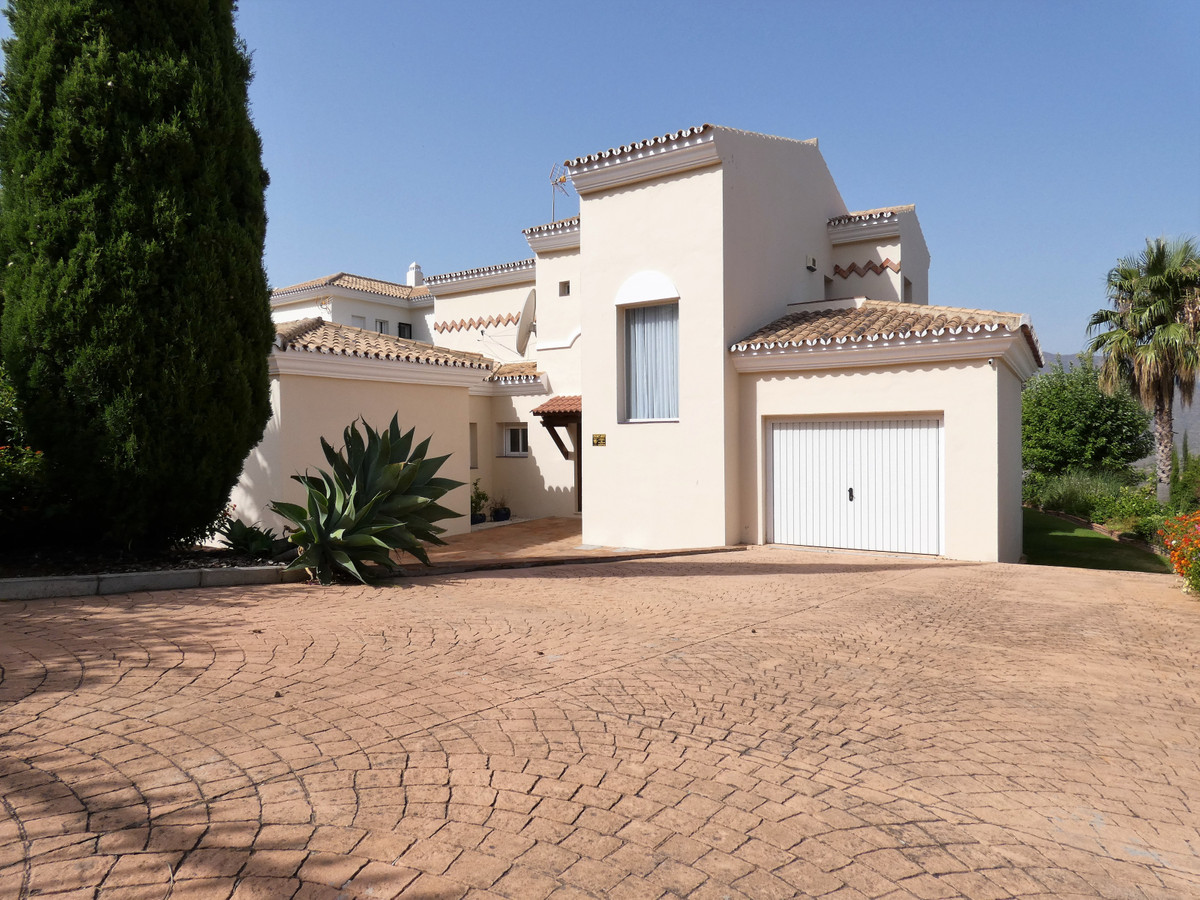 House in Alhaurin Golf R3681662 23