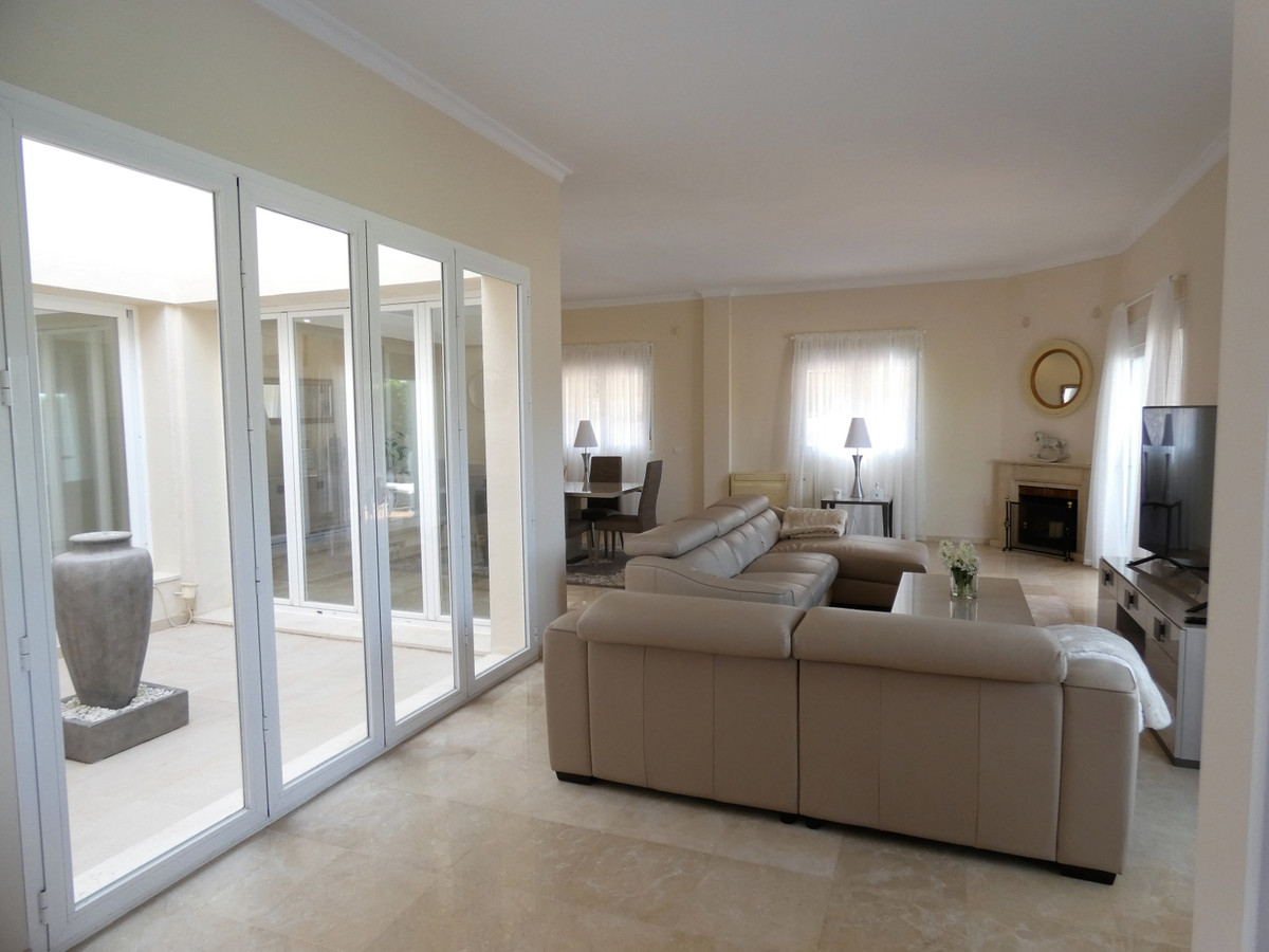 House in Alhaurin Golf R3681662 4