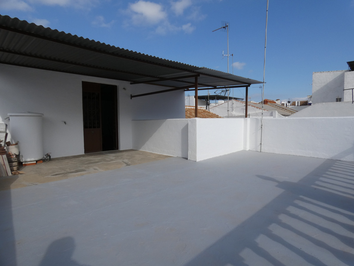 Spacious and very bright townhouse in the centre of Alhaurin el Grande. The property can be accessed,Spain