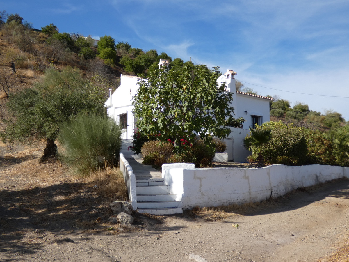 If you like the nature, then this is the perfect house for you! Nice single storey country property,, Spain