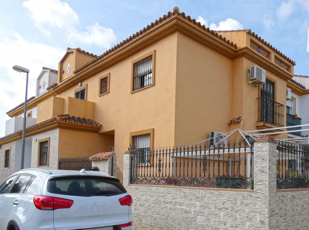 Townhouse for sale in Estacion de Cartama