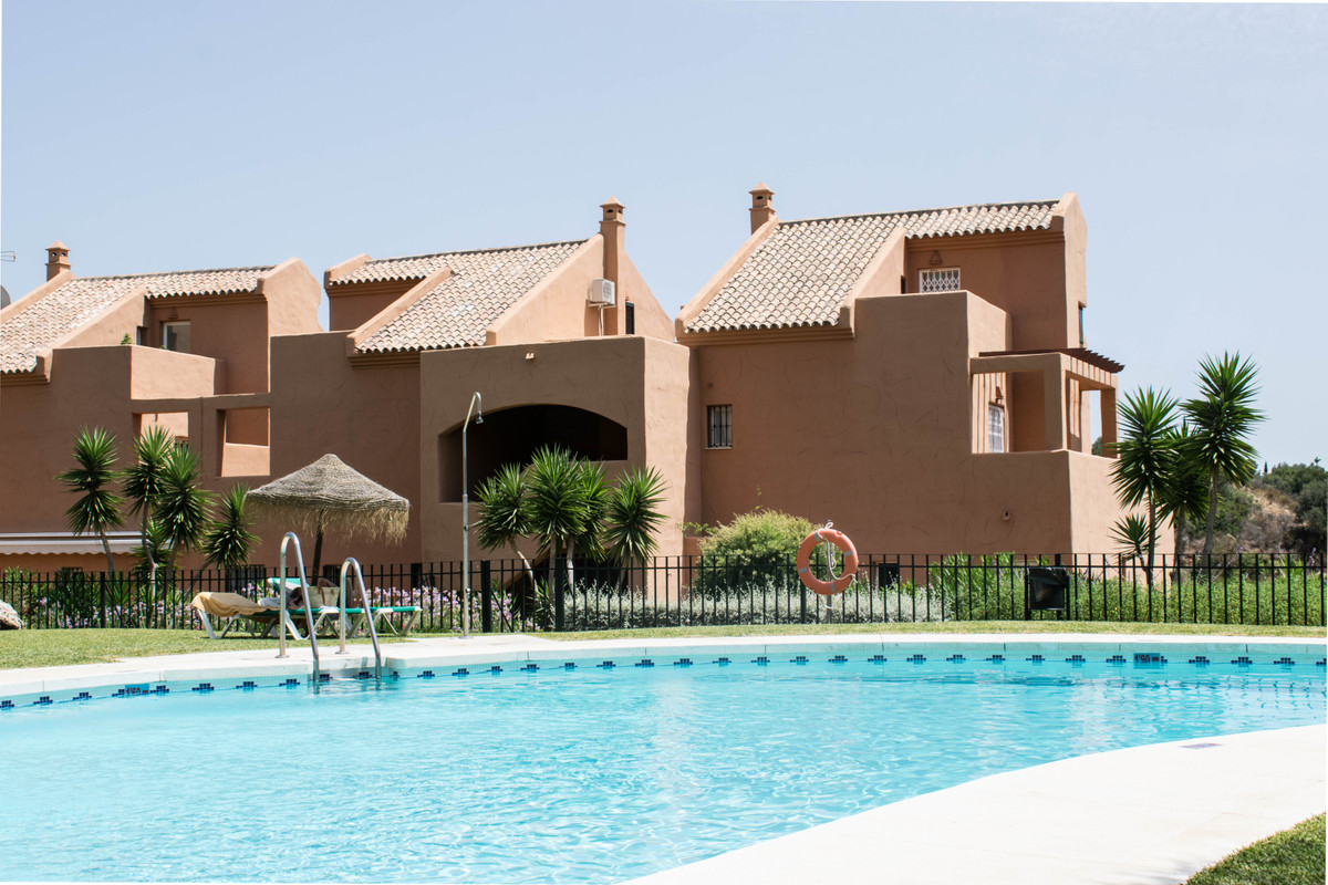 Beautiful bright corner penthouse with panoramic views of the Mediterranean Sea, golf course and tre,Spain