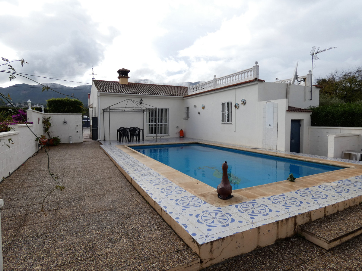 A lovely country home located in tranquil area close to the vibrant town of Alhaurin el Grande.   Th,Spain