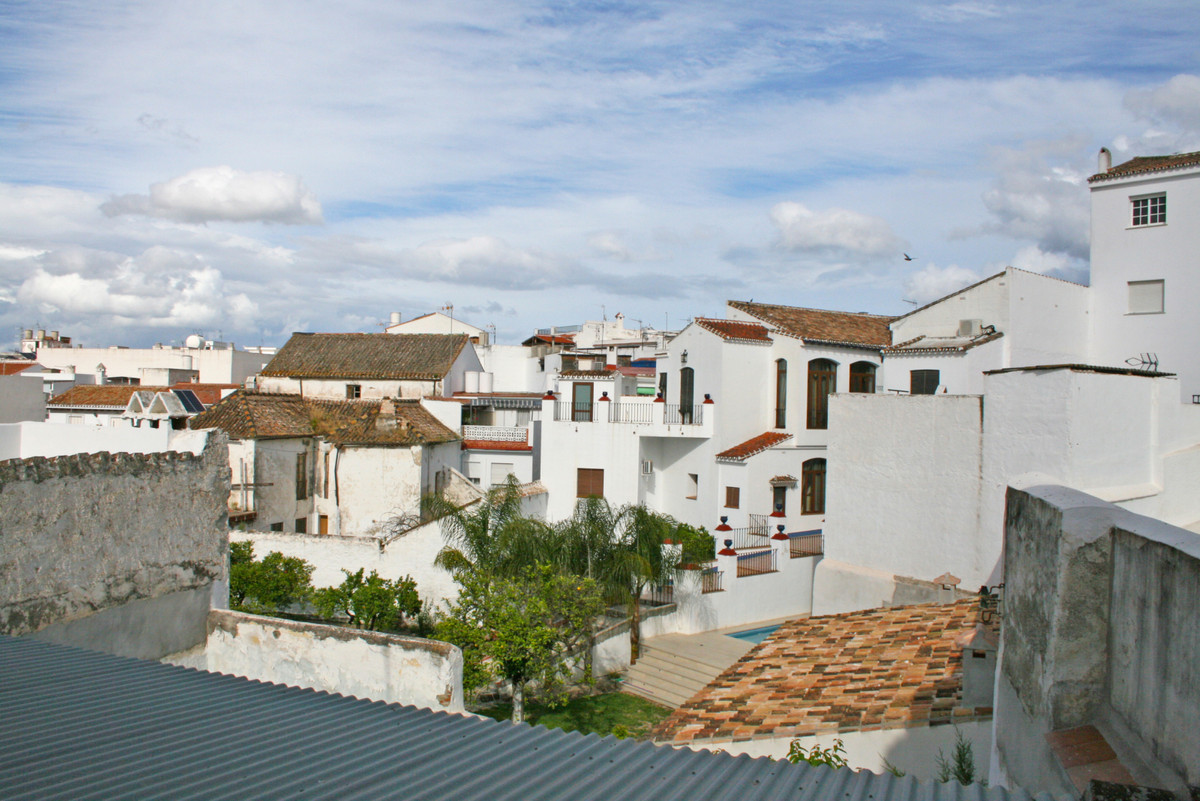 Very large townhouse to reform in one of the most emblematic streets of Alhaurin el Grande.  This pr, Spain