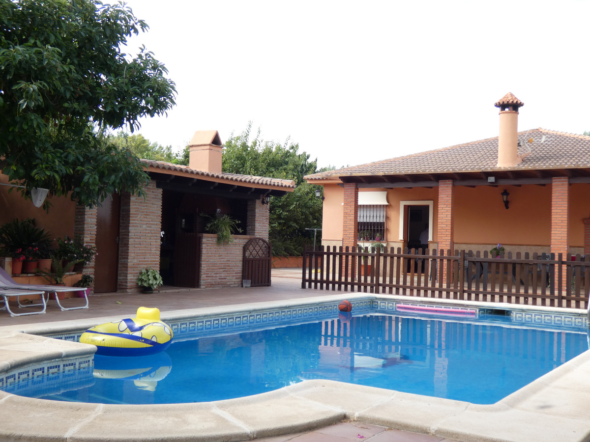 Beautiful country house just a short walk from Alhaurin el Grande, built with top quality materials,,Spain