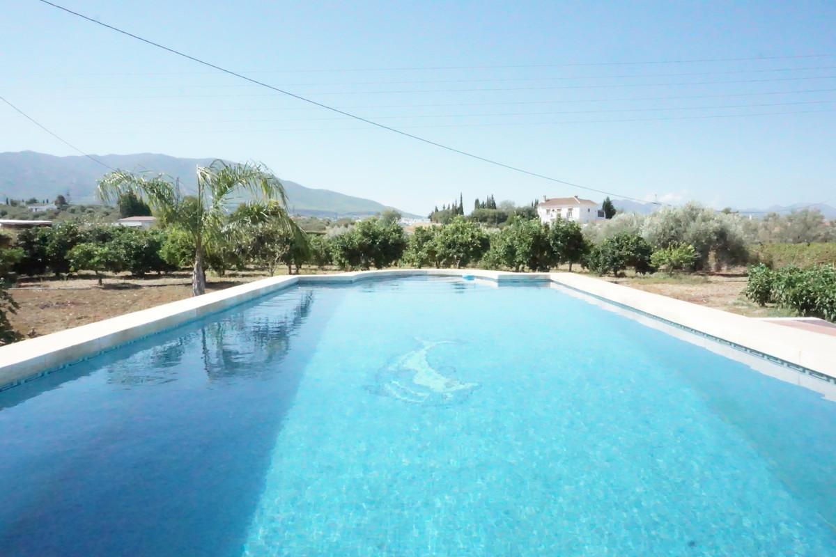 Finca - Cortijo for sale in Alhaurín el Grande R3700961
