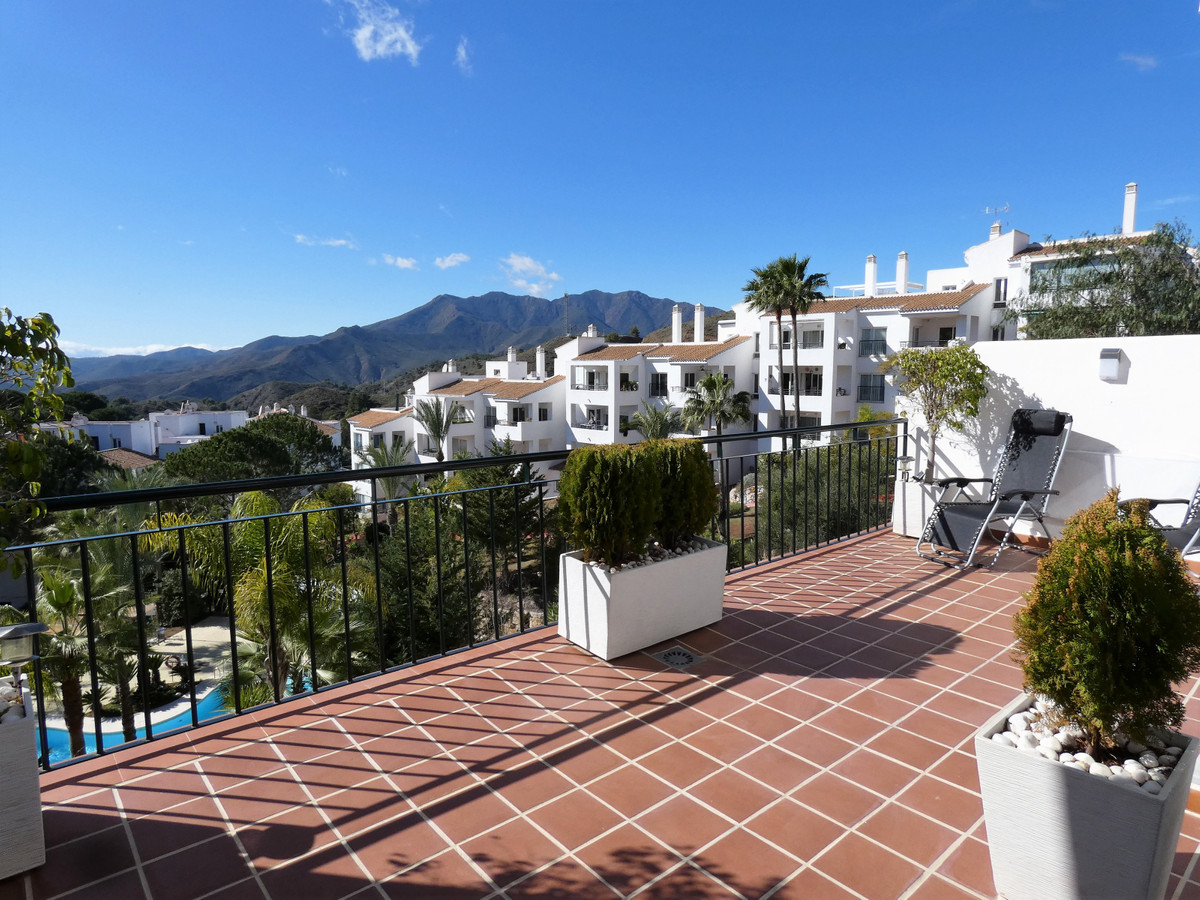Located in a quiet area on Alhaurin Golf and easy walking distance to several restaurants this brigh, Spain