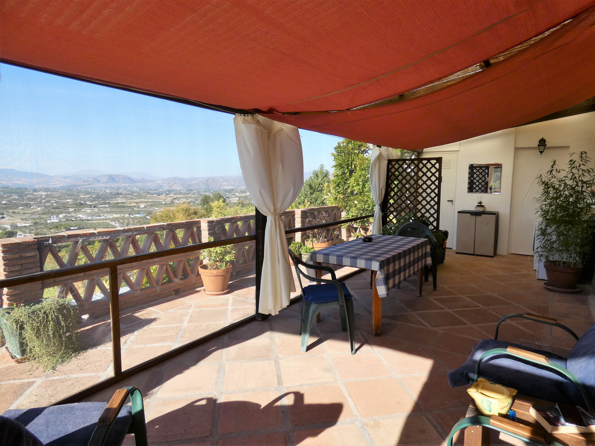 This charming country home is situated on the outskirts of Alhaurin el Grande and is only a 20 minut,Spain