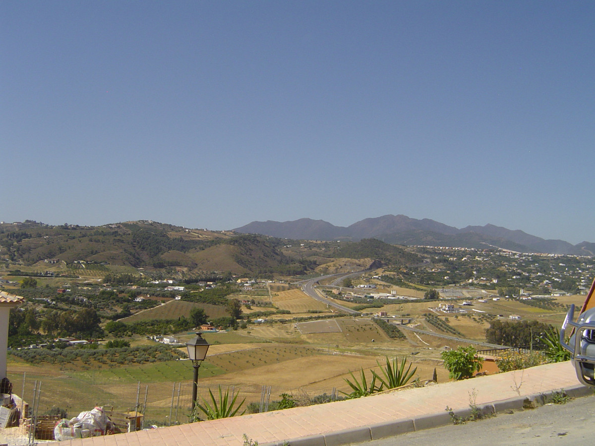 Fantastic plot with un interrupted views across the valley  Plot,  Close to Town,  Facing: Southwest,Spain