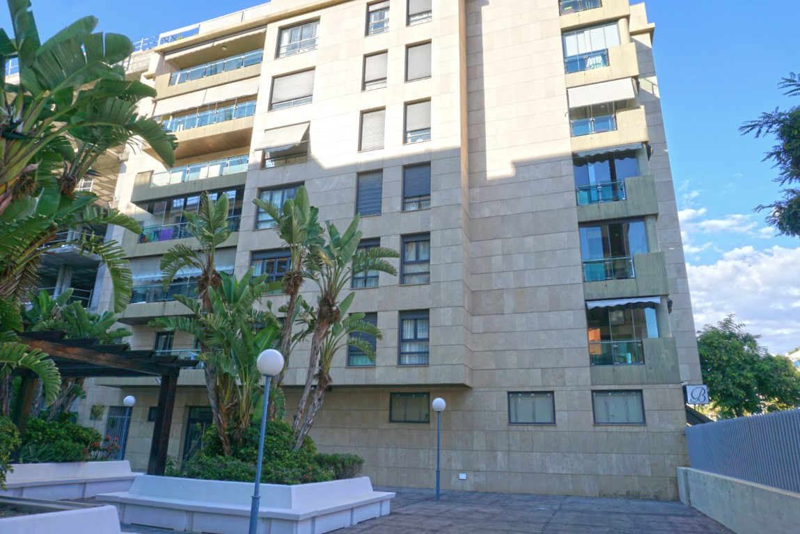 Modern and immaculate 2 bedroom apartment within walking distance to the beach in Malaga. The proper,Spain