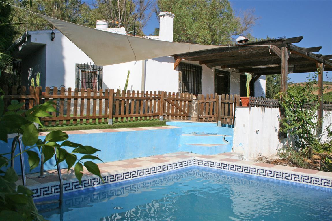 Nice country home in Pizarra. The property comprises two houses: a main house with fantastic mountai,Spain
