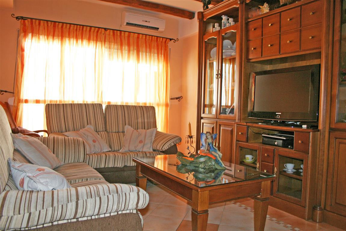 R2742407: Apartment for sale in Alhaurín el Grande