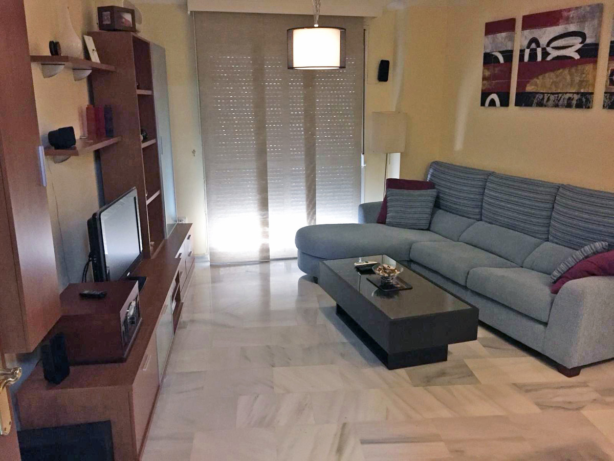 Apartment in Alhaurín de la Torre R3433054 3