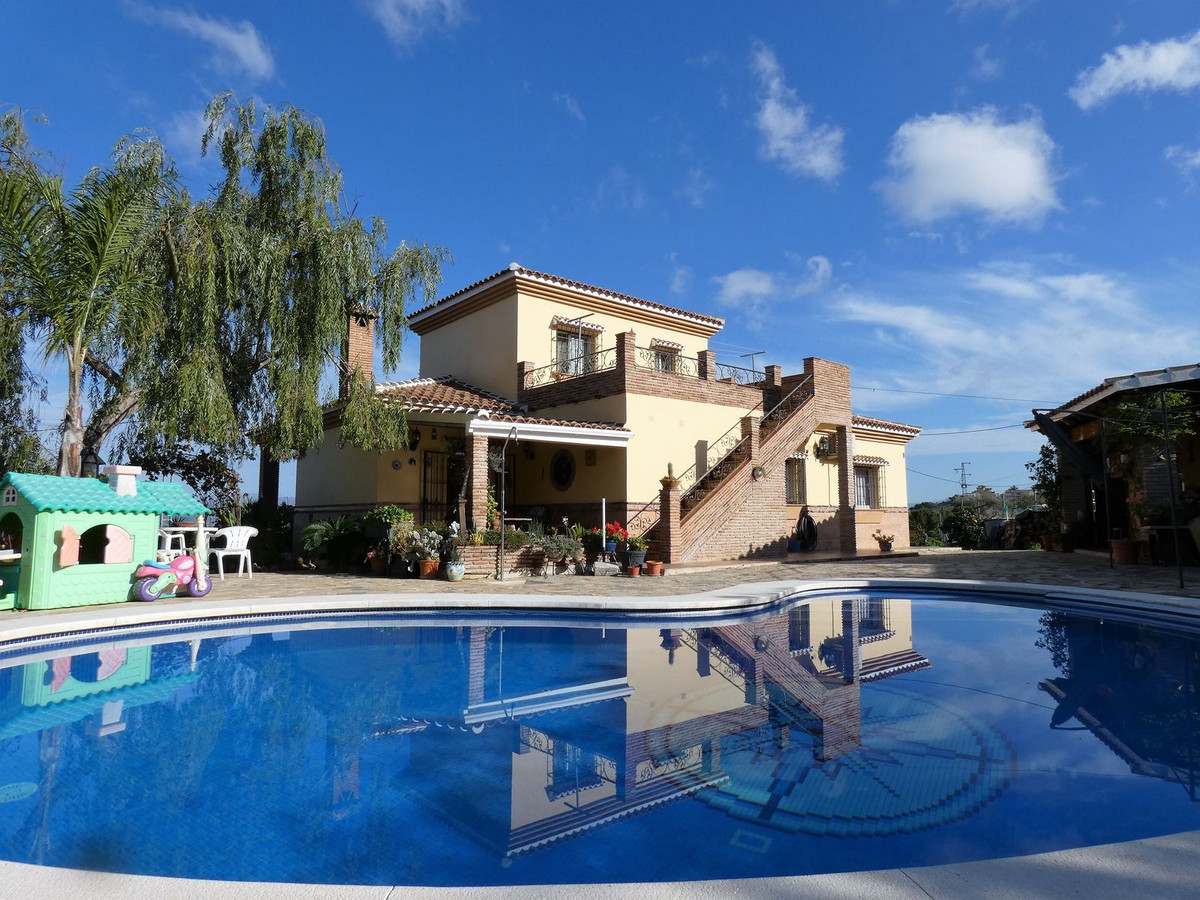 Rustic style country property close to Alhaurin el Grande with views to the mountains and countrysid,Spain