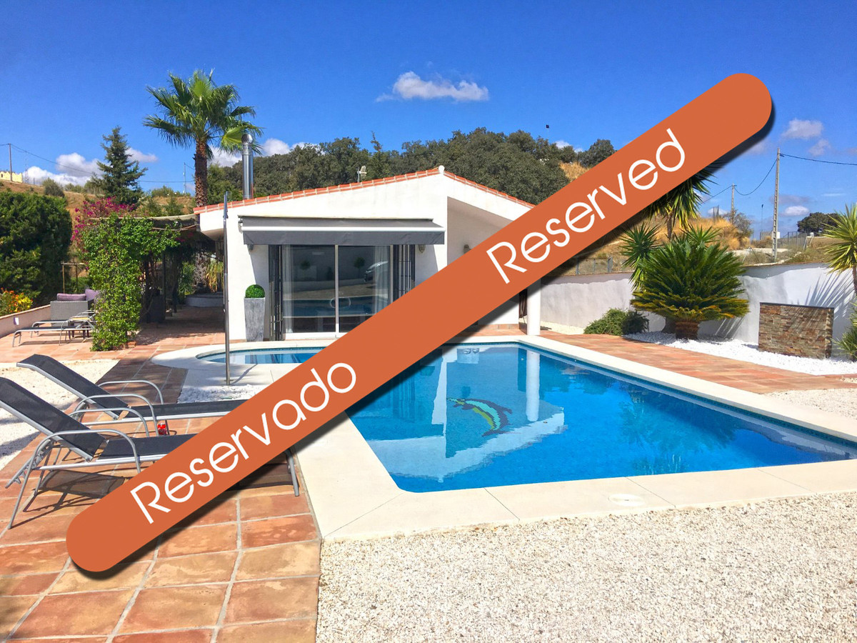 Beautiful totally refurbished country home in an elevated position with amazing views, in Las Lomas,, Spain