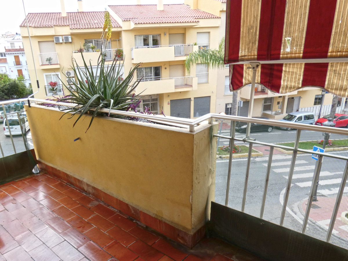 Spacious 3 bedroom, 2 bathroom, first floor apartment situated in the centre of Alhaurin el Grande. ,Spain