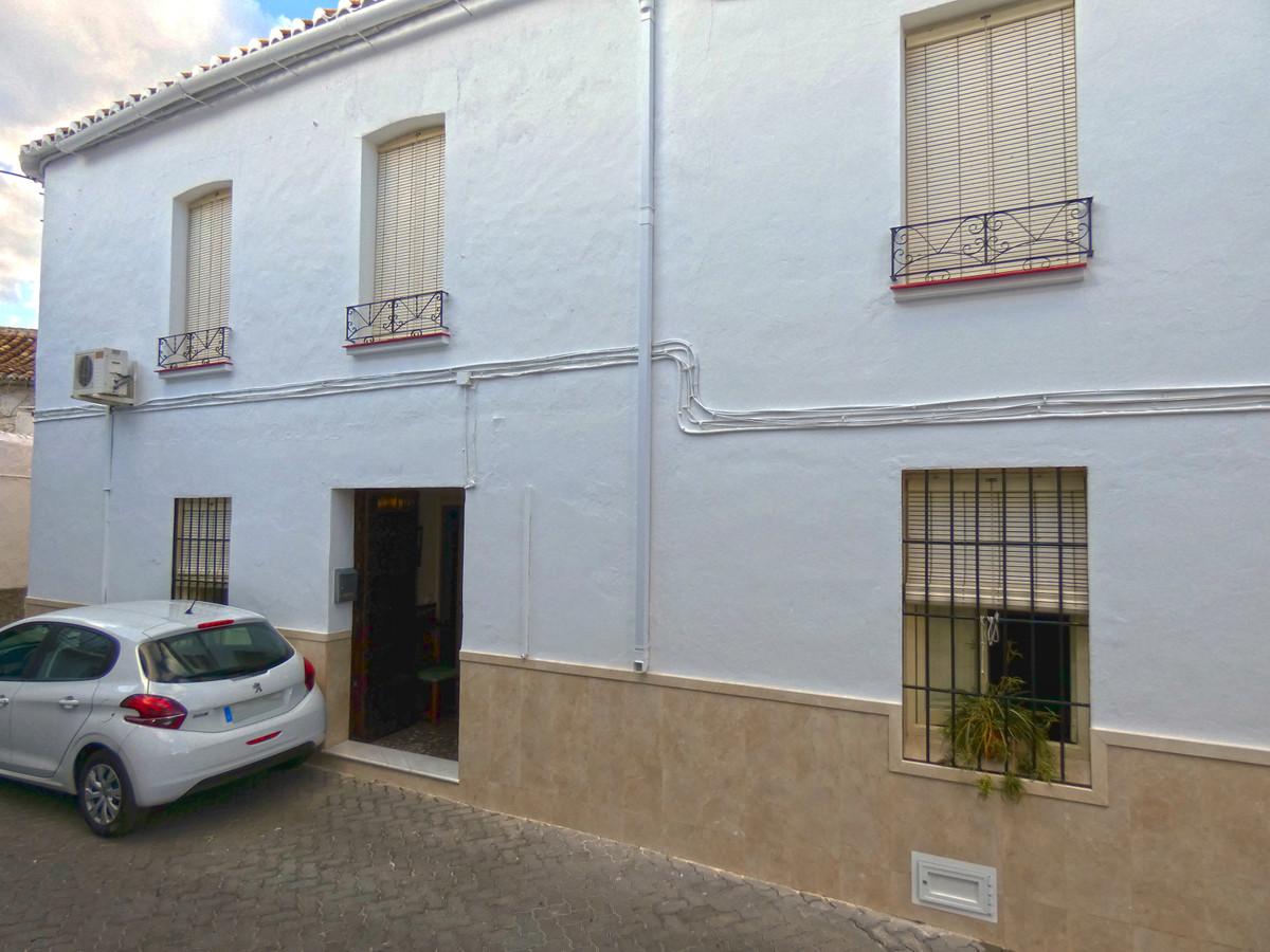 Townhouse for sale in Alhaurín el Grande R3539536