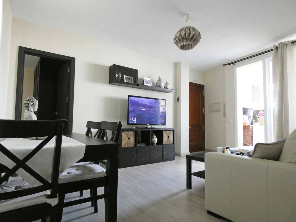 2 Bedroom Apartment for sale Alhaurín el Grande