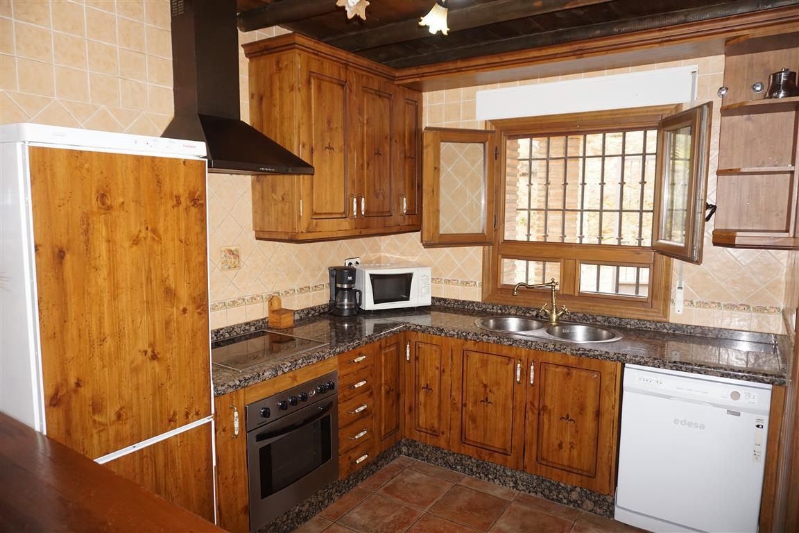 5 Bedroom Villa for sale Alozaina