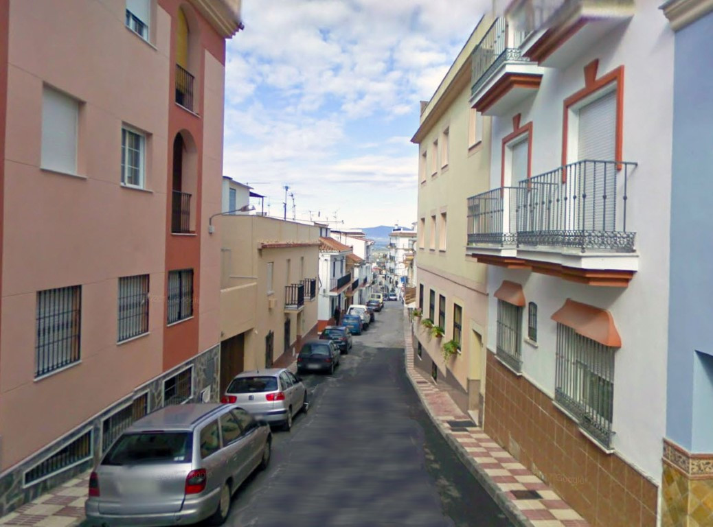Spacious apartment with 3 bedrooms and two bathrooms (one en suite) in Alhaurin el Grande. The home ,Spain