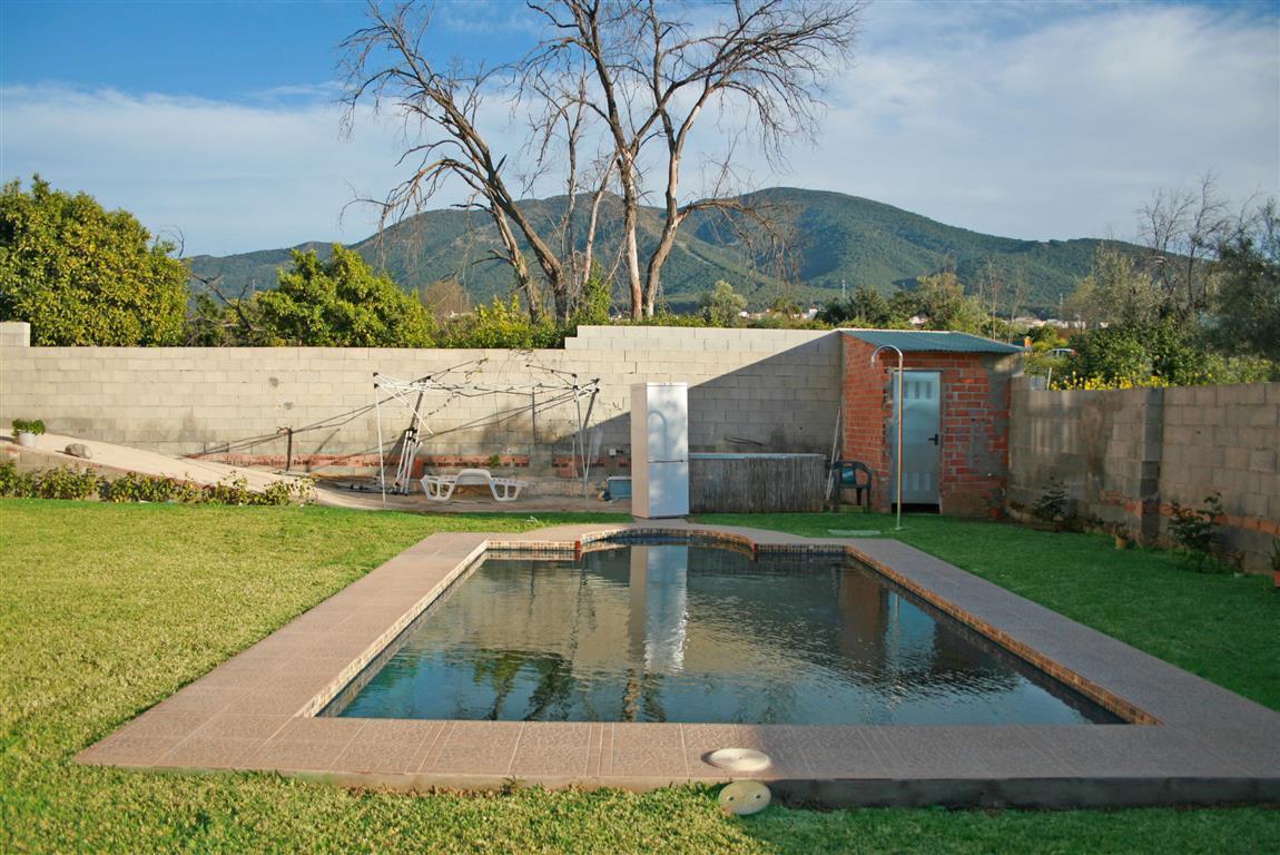 Villa con 6 Dormitorios en Venta Alhaurín el Grande