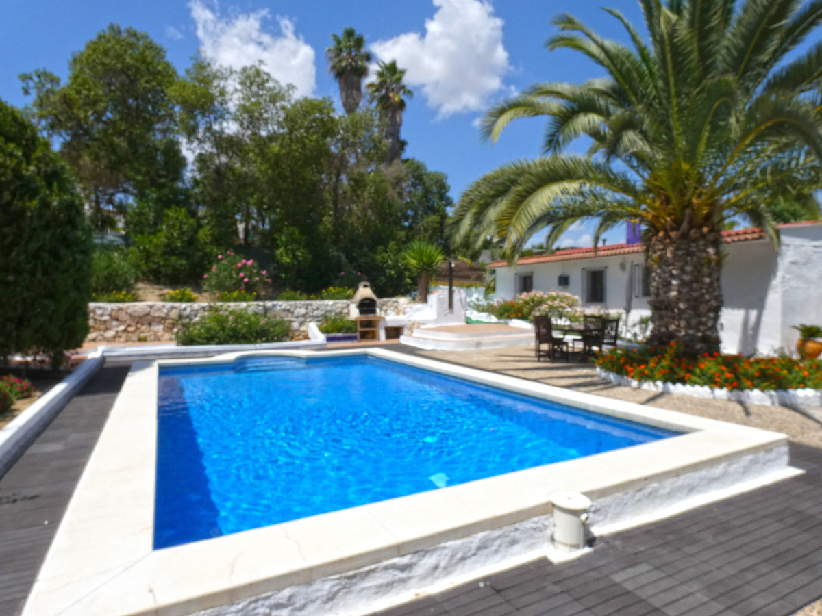 Great country house in a perfect location with easy access (between the towns of Coin and Cartama), , Spain
