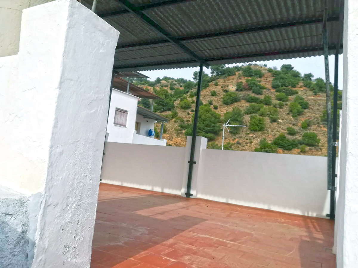 6 bedroom townhouse for sale tolox