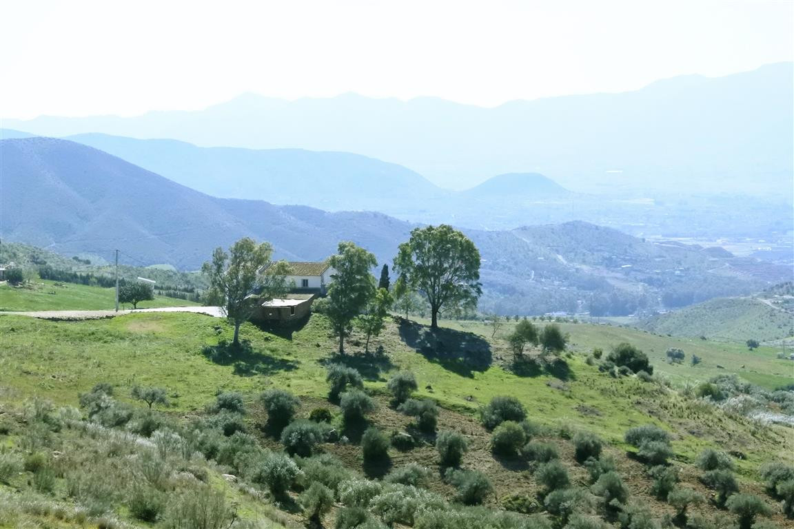 This is a rare and special opportunity to acquire a spectacular country property near Pizarra with t, Spain