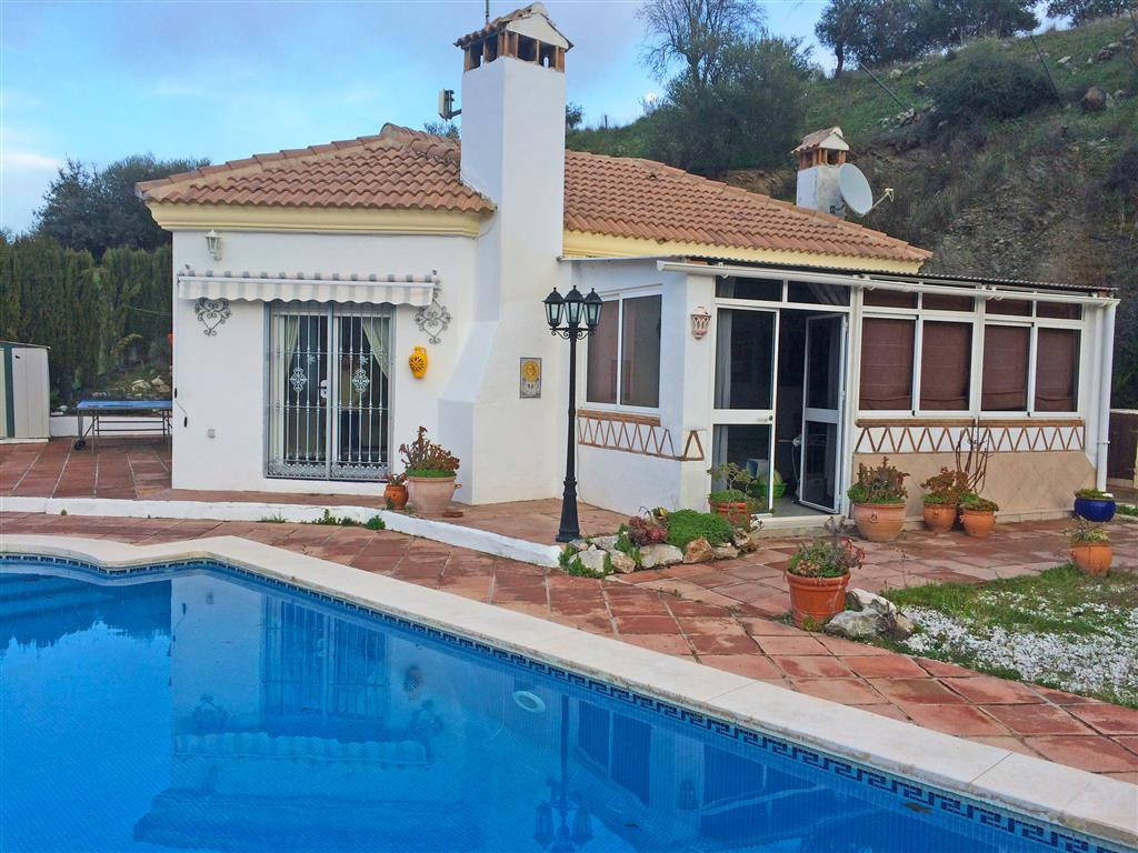 Pretty very private country home, close the village of Monda. The property benefits from a living ro, Spain