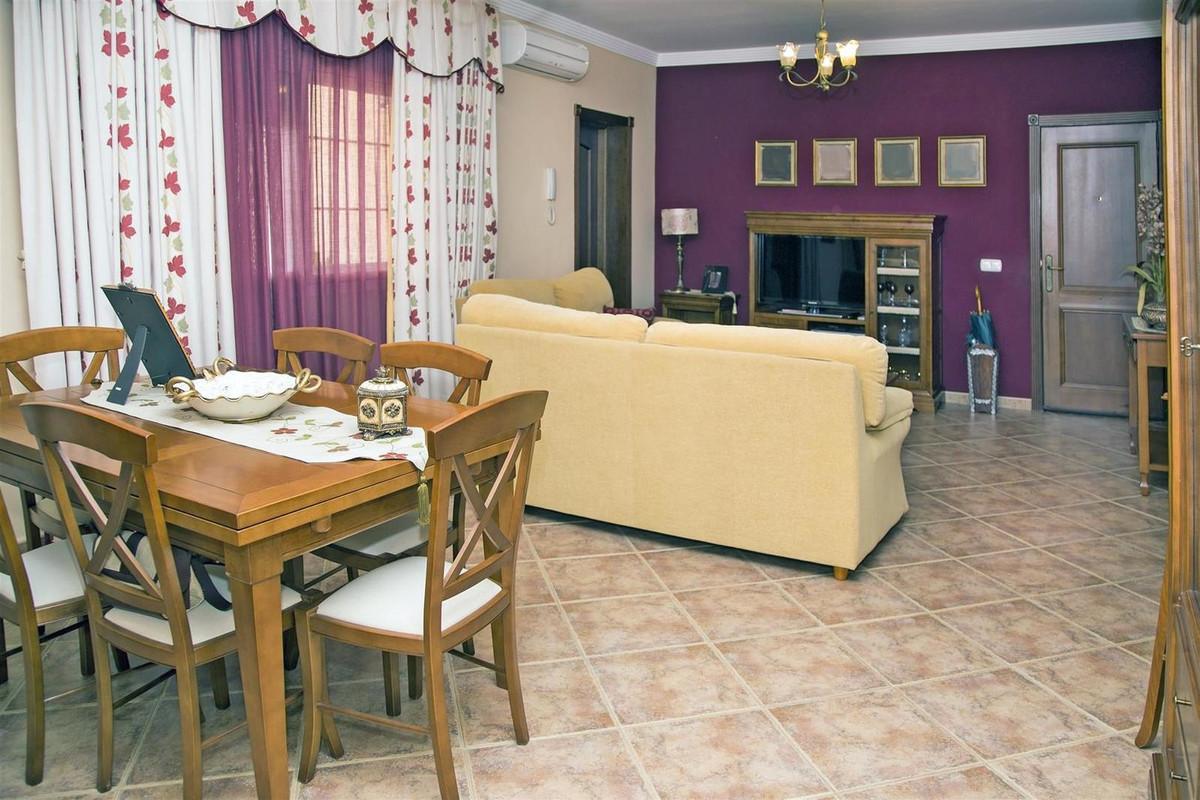 Villa con 7 Dormitorios en Venta Alhaurín el Grande