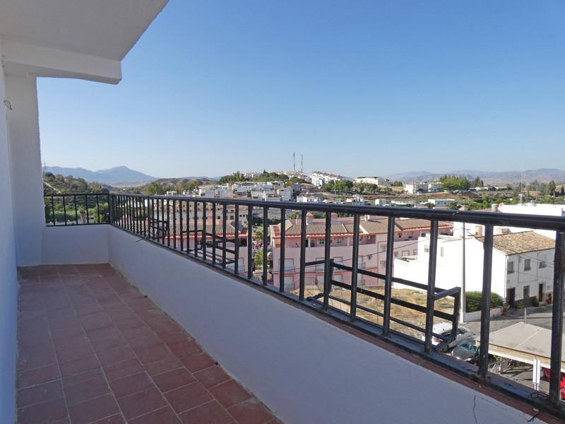 Apartamento en Planta Última - Coín - R3480742 - mibgroup.es