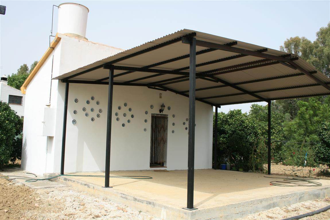 Finca in Alhaurin el Grande which comprises of one bedroom, an open plan living room and kitchen and, Spain