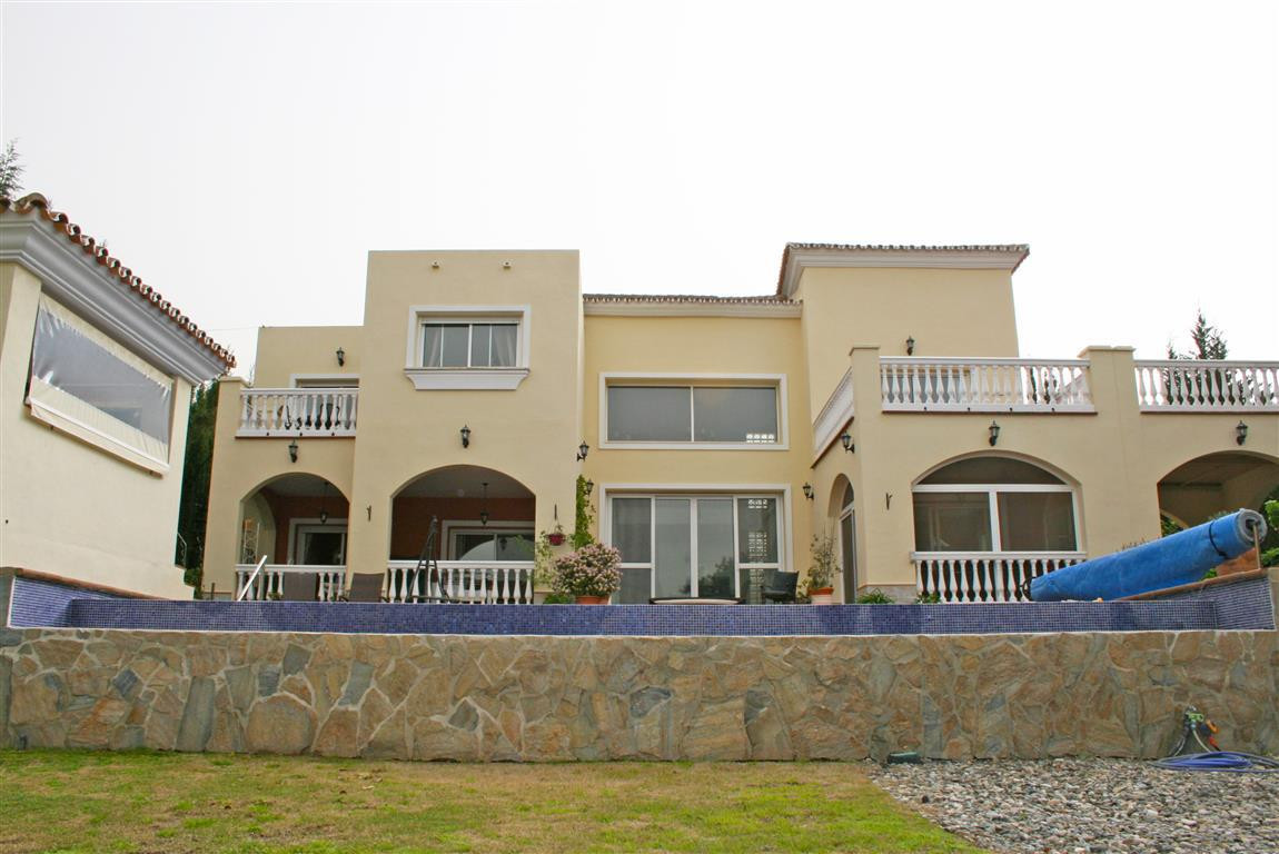 Spectacular villa in one of the best urbanisations in Alhaurin el Grande. The property has beautiful,Spain