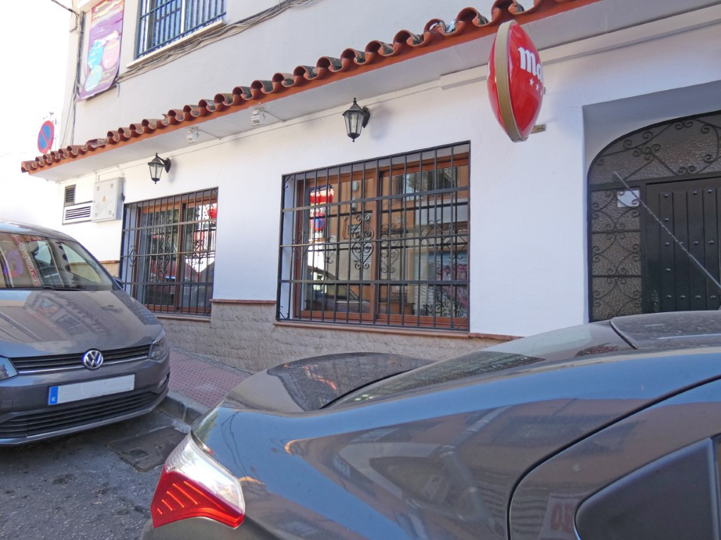 Commercial Property equipped for a restaurant business with a kitchen, main dining room of approximaSpain
