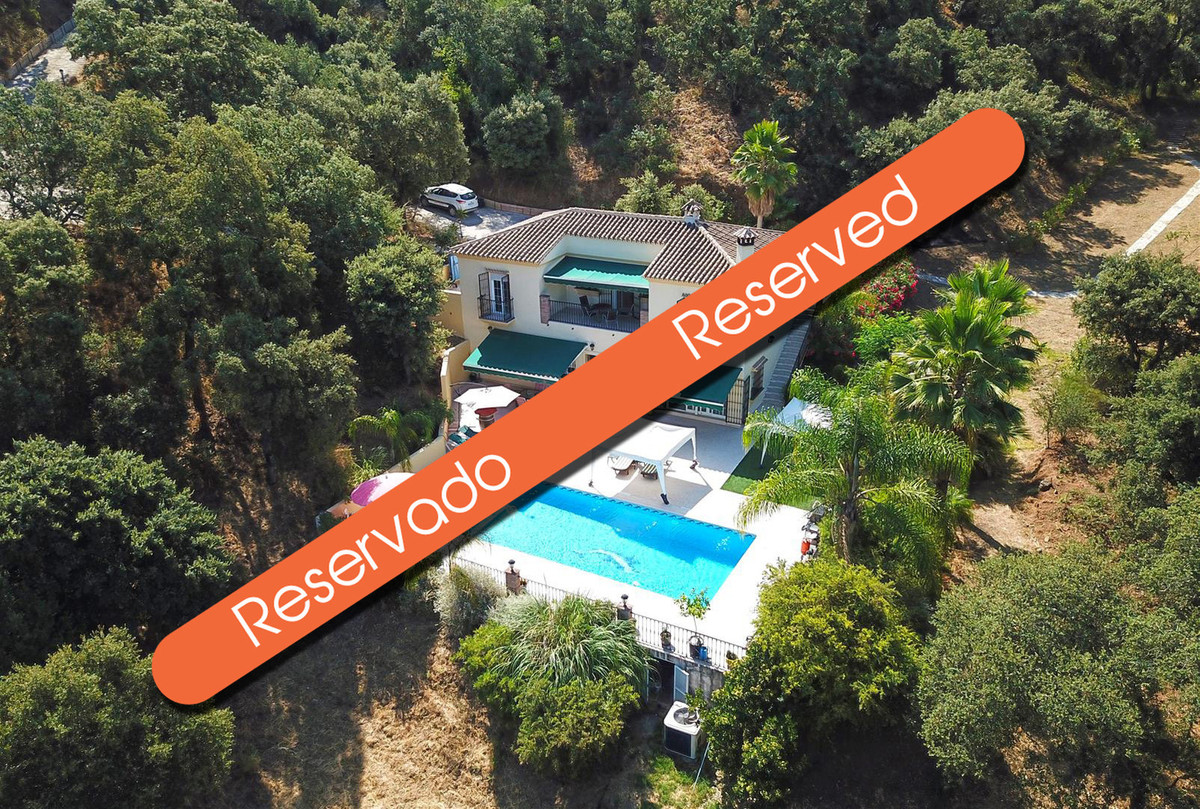 Peace and privacy are offered in abundance at this delightful country home. Located just 1km from th,Spain