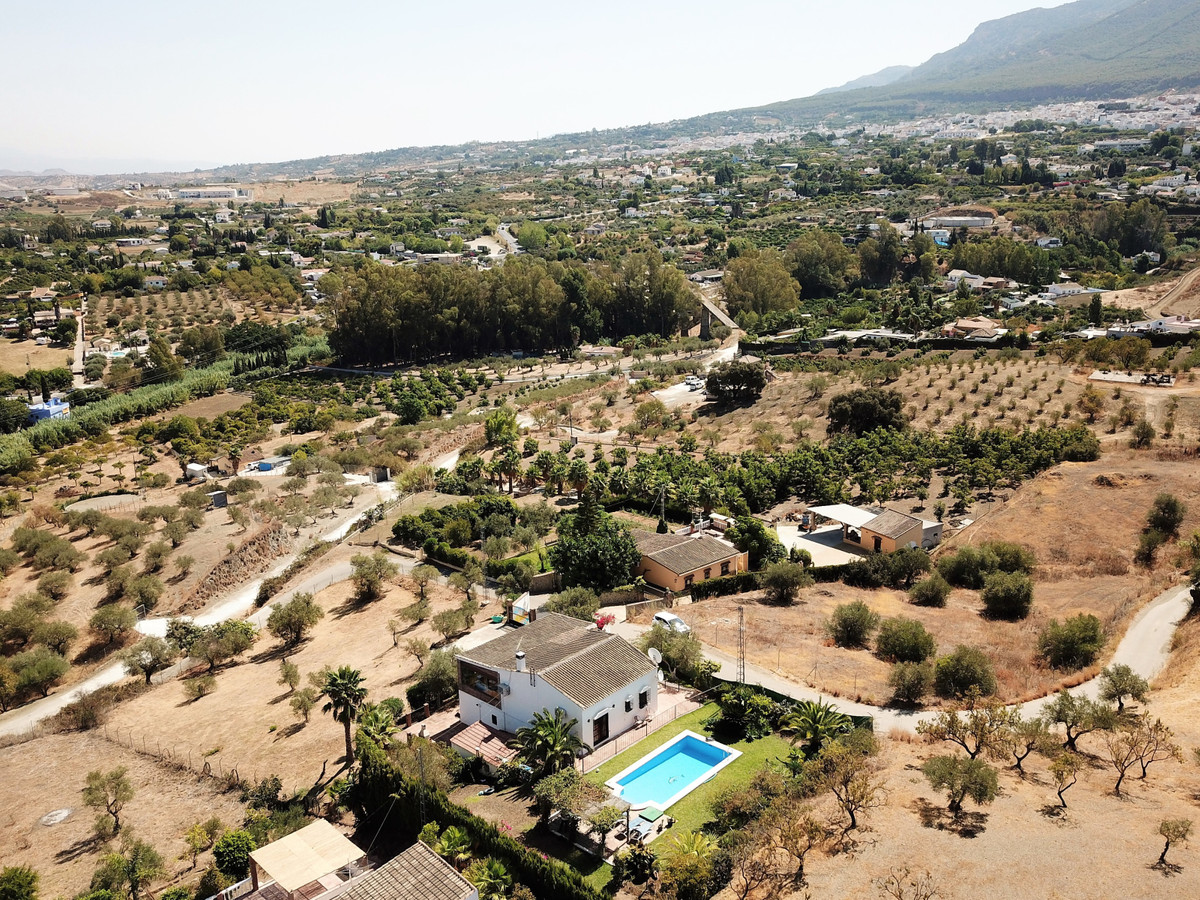 Lovely country house with spectacular views for sale in Alhaurin el Grande. The property is located , Spain