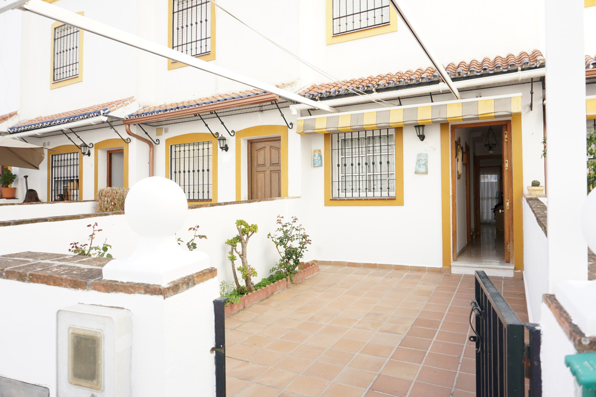 Townhouse in Coín R3374824