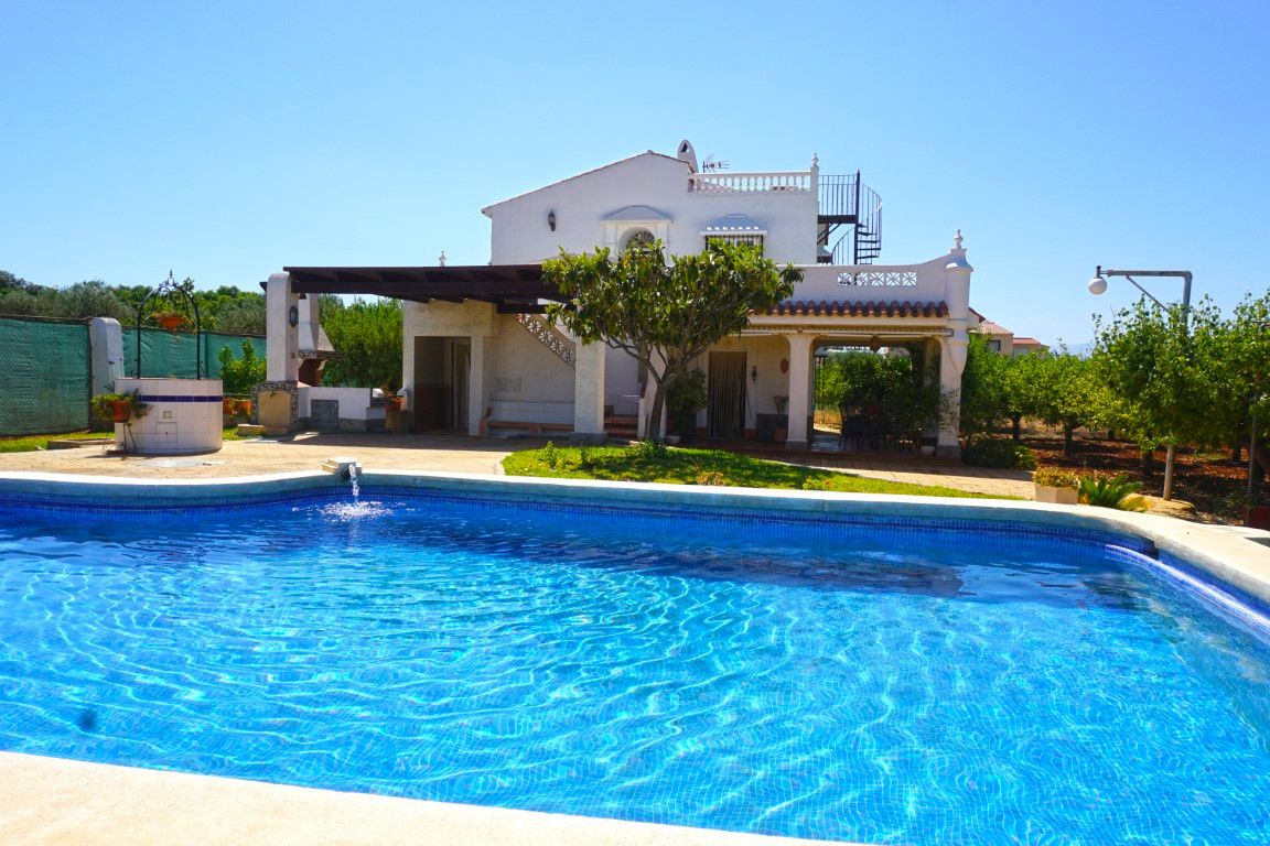 Spacious 4 bed, 2 bathroom country house located very close to Lauro Golf.  This two-storey house wi,Spain