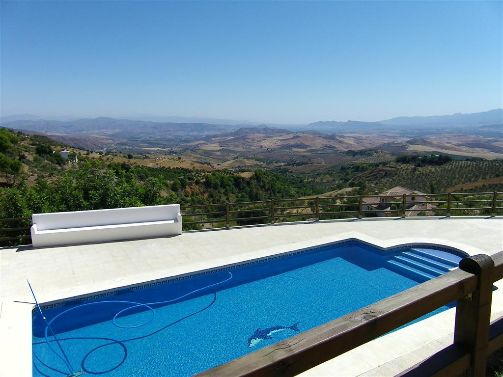 Absolutely incredible, jaw dropping, drop dead amazing views. Located between Alozaina and Casarabon,Spain