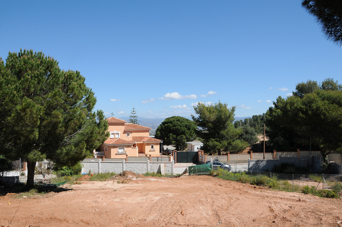 1,000m² Urban Plot for sale in Pinos de Alhaurin. It has a project, licence, and water and electric ,Spain