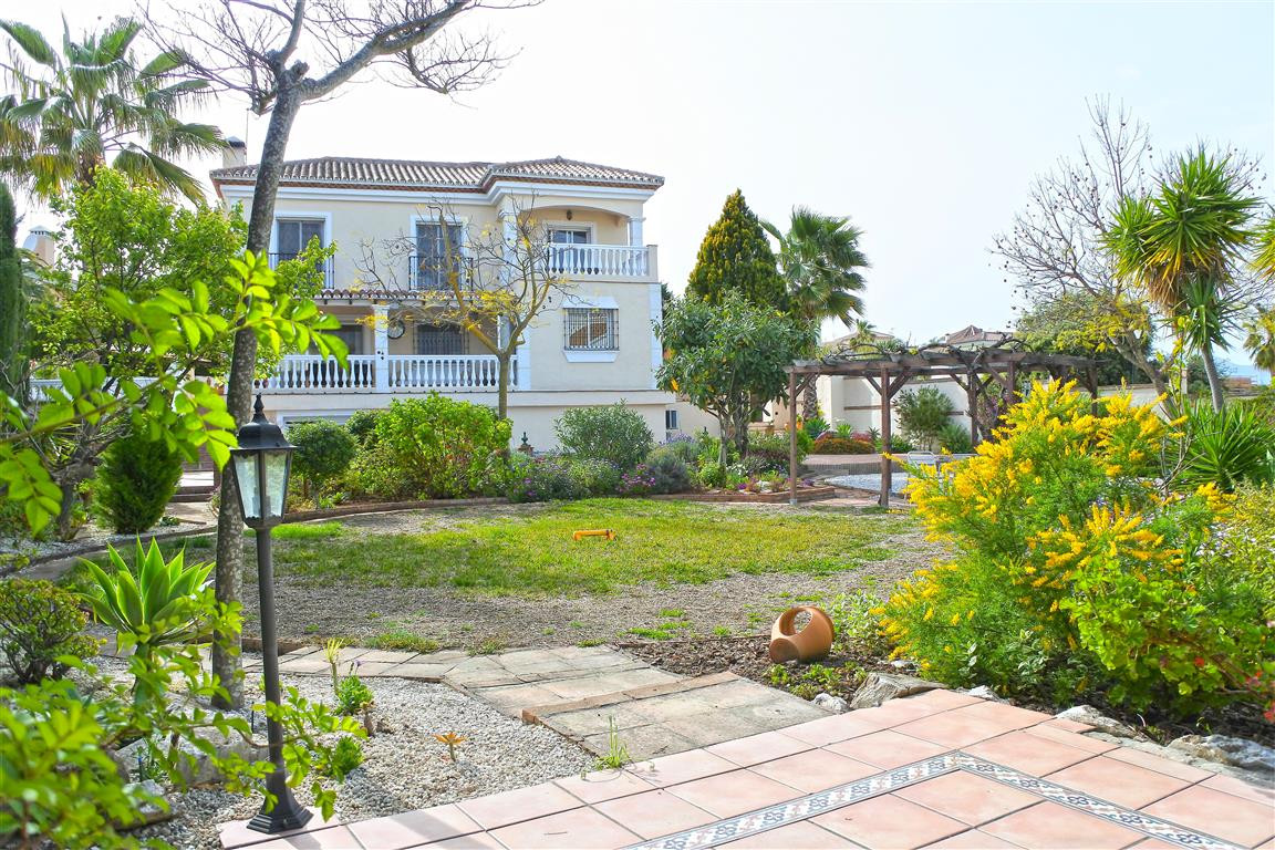 4 Bedroom Detached Villa For Sale Coín
