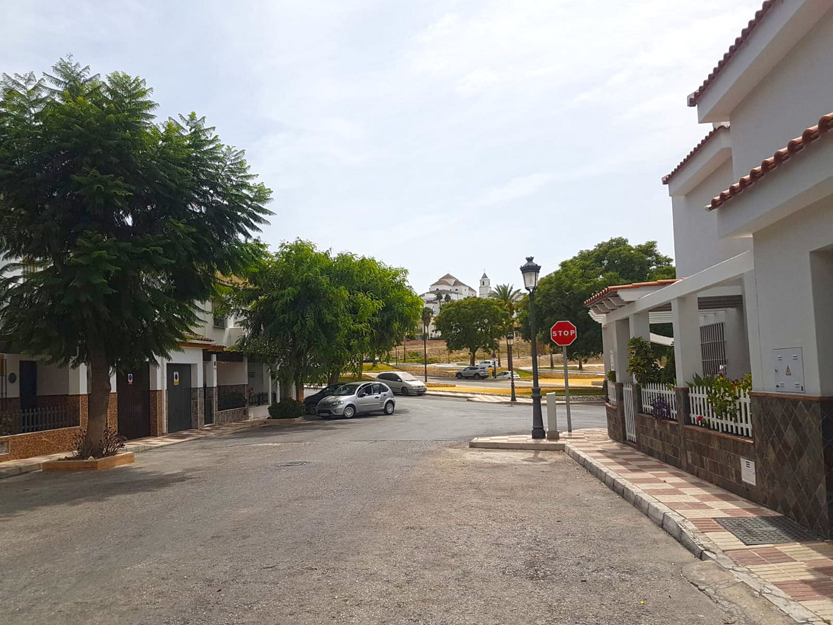 A 122m² urban plot situated in one of the best areas of Alhaurin el Grande, close to all the amenitiSpain