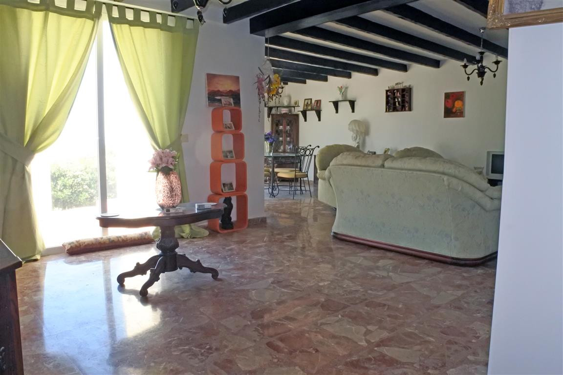 6 Bedroom Villa for sale Alhaurín el Grande