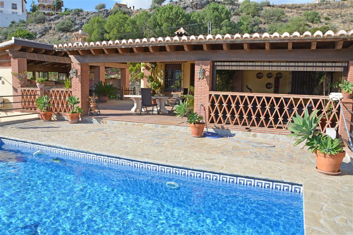 Fantastic B&B or house-letting business opportunity! The large piece of relatively flat land has,Spain